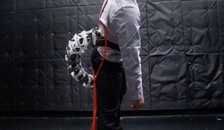 Investigadores japones investigan una extremidad biónica